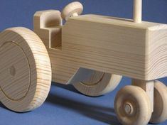 Woodworking Training Large Wooden Toy Tractor - If you are interested in quantities of more than one of this toy, please send me a conversation to check for availability. Making Wooden Toys, Handmade Wooden Toys, Wooden Crafts, Wooden Toy Trucks, Wooden Car, Easy Woodworking Projects, Wood Projects, Wood Toys Plans, Wood Scraps