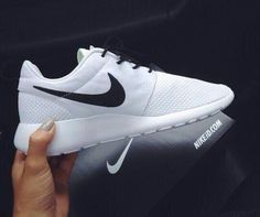 Surprise.so beautiful nike shoes only 21USD.I bought it without hesitation.Come and get it now #nike @livin_lifexx #nikewant