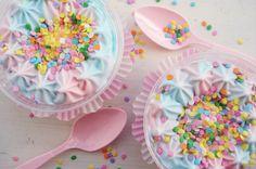 ooooh I love these cotton candy ice-cream sundae cups!