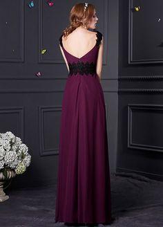 Elegant Chiffon V-Neck Neckline Sheath Bridesmaid Dress With Lace Appliques