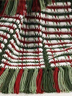Crochet - Christmas Patterns - Afghan Patterns - Crochet on the Double Mile-a-Minute Christmas Afghan - Mile-a-Minute Afghan Crochet Afgans, Diy Crochet, Crochet Crafts, Crochet Projects, Irish Crochet, Crochet Beanie Pattern, Crochet Gloves, Crochet Blankets, Christmas Crochet Patterns