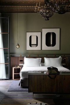 Is To Me | Interior inspiration | Dark bedroom