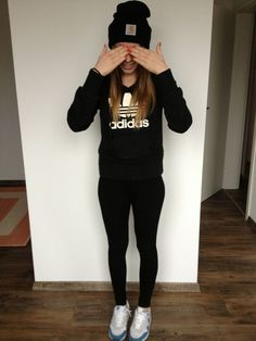 Cute casual outfit... comfort first!: Casual Outfits For Teens, Girl Outfits, Fashion Outfits, Adidas Outfit, Adidas Shoes, Sport, Adidas Women, Adidas Hoodie, Hoodie Outfit
