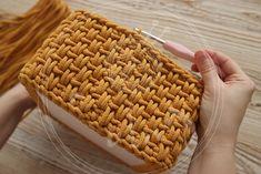 Bathroom Containers, Crochet Handbags, Alpacas, Knitted Bags, Crochet Patterns, Handmade, Basket, Knitting, Crochet Pouch