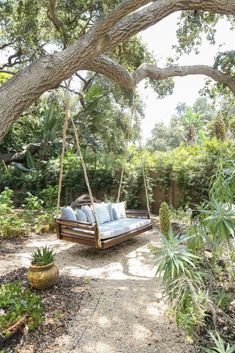 Ideas creativas para reciclar pallets y cajones – Para Ti Gravel Landscaping, Landscaping Ideas, Patio Ideas, Backyard Patio Designs, Outdoor Living, Outdoor Decor, Dream Garden, Outdoor Gardens, Landscape Design