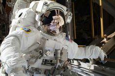 Paseo espacial del astronauta de la Estación Espacial, Mike Hopkins