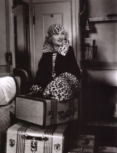 Carole Lombard  SHE KNOWS HOW TO TRAVEL