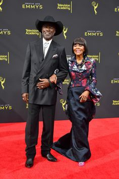 Cicely Tyson Photos - Cicely Tyson (R) attends the 2019 Creative Arts Emmy Awards on September 2019 in Los Angeles, California. Black Actresses, Black Actors, Black Celebrities, Celebs, Beautiful Black Women, Amazing Women, Beautiful People, Black Royalty, Vintage Black Glamour