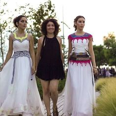 Our latest creations with our designer in the middle. transformed with a unique touch. Thanks to for the organization of the event. Sustainable Design, Sustainable Fashion, Bridesmaid Dresses, Wedding Dresses, Slow Fashion, News Design, My Outfit, Catwalk, Rocks