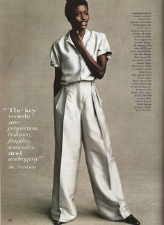 Jil Sander 1996 The key words are proportion, balance, fragility, sensuality, and androgyny ReadySetF a s h i o n: This Is Big News: The Golden Rule Jil Sander, Look Chic, The Chic, 90s Fashion, Vintage Fashion, High Fashion, Vintage Vogue, Fashion Flats, Style Fashion