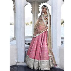 Looking for lehenga collections by Sabyasachi? Here are 18 mind blowing designs from the designer's creations. Brides, pick the best and rock the D-day! Indian Bridal Lehenga, Indian Sarees, Udaipur, Indian Wedding Outfits, Indian Outfits, Indian Weddings, Indian Attire, Indian Wear, India Fashion