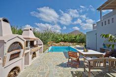 Delona Villa, Naxos, Aleomandra Luxury Holidays, Future Travel, Luxury Villa, Luxury Living, Greece, Patio, Mansions, House Styles, Outdoor Decor