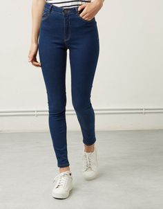 Super Skinny High waist jeans - High Waisted Jeans - Ideas of High Waisted Jeans Super Skinny High waist jeans Bershka High Waist Bershka Czech Republic Dark Blue Jeans Outfit, Blue Jean Outfits, Dark Blue Skinny Jeans, High Waisted Black Jeans, High Waist Jeans, Pantalon Cargo, Ripped Jeans, Cool Outfits, Pants For Women