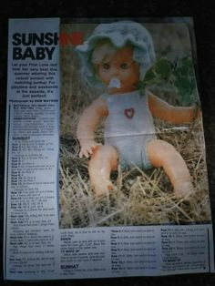 Sunshine Baby, pattern from woman's Value. Knitting Dolls Clothes, Baby Doll Clothes, Crochet Doll Clothes, Doll Clothes Patterns, Clothing Patterns, Baby Dolls, Knitted Doll Patterns, Baby Sweater Knitting Pattern, Knitted Dolls