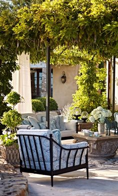 Ample, gently curving frames evoke the warmth of the Tuscan sun. That's amore... | Frontgate: Live Beautifully Outdoors