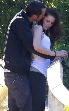 "Rupert Sanders Calls Kristen Stewart Affair a ""Momentary Lapse"" - https://blog.clairepeetz.com/rupert-sanders-calls-kristen-stewart-affair-a-momentary-lapse/"