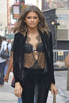 You know a celebrity has a true sense of personal fashion style when no one else can pull off THAT look but her. Zendaya Coleman is one of those women. We are here to help you get the Zendaya look! Zendaya Coleman, Runway Fashion, Fashion Show, Womens Fashion, Fashion Fashion, Fashion Outfits, Moda Zendaya, Zendaya Style, Zendaya Body