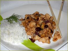Pui thailandez cu alune Romanian Recipes, Romanian Food, Risotto, Bucket, Rice, Favorite Recipes, Dishes, Meat, Chicken