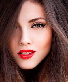 макияж, свидание, образ, красные губы, девушка, брюнетка, зеленые глаза, красавица