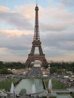 Torre Eiffel, Paris. Definitely my most favorite city.  My dream is to take our girls there.