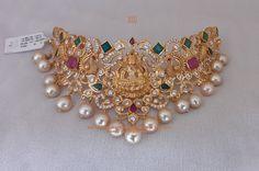Wedding Jewellery Designs, Gold Jewellery Design, Gold Jewelry, Gold Necklace, Chocker Necklace, Jewelry Sets, Jewelry Design Earrings, Gold Earrings Designs, Necklace Designs