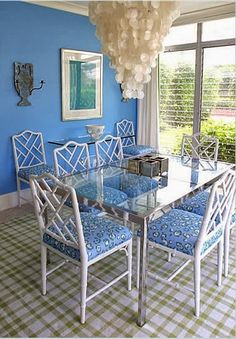 It's Blue and White Week here at Chinoiserie Chic, with a whole week's worth of blue and white Chinoiserie posts. We'll kick off with a b...