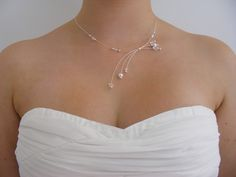 "Collier ""Etincelle"" cristal et blanc - Collection Aucréa Mariage : Collier par aucrea-boutique"