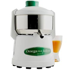 Extract 20-30% more juice from your fruits and other fresh ingredients with this Omega J1000 centrifuge juicer! This durable juicer features a stainless steel basket and bowl for easy clean up as well...