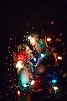51 Romantic Couples Christmas Photo Ideas : Christmas Lights Photography Ideas For Couple