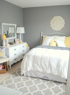 Best Color Combination Is Pretty Light Yellow Bedding And Grey 640 x 480