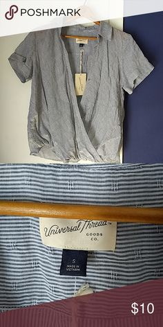 b2edfc26649 Universal Thread blouse sz Small Target New with tags Universal Thread  blouse. Crosses over