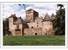 Le Château médiéval de Brousse : La ferme fortifiée des Bourines, toute proche