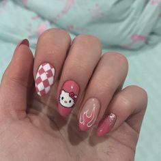 Cute white and pink nail art - ChicLadies. Edgy Nails, Grunge Nails, Stylish Nails, Cat Nails, Pink Nails, Nagel Tattoo, Checkered Nails, Anime Nails, Hello Kitty Nails