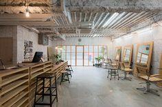 5osA: [오사] :: *인더스트리얼 인테리어, 요코하마 헤어샵 [ no.555 ] plywood fittings and movable furniture to renovate yokohama hair salon