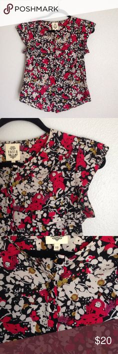 Vasia blouse from anthropologie Floral print. One pocket on front. 6 buttons on front. Gathered back that gives it a peplum look Anthropologie Tops Blouses