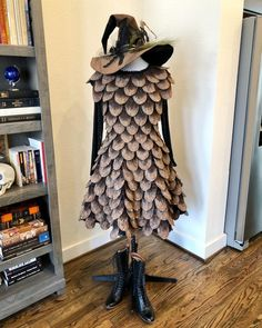 Mushroom Costume, Ombre Paint, Purim Costumes, Halloween Costumes, Red Wigs, Renaissance Fair Costume, Red Shoes, Geek Chic, Pine Cones