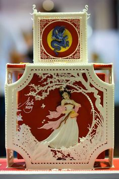 == Every time I think I've seen the most beautiful cake decorating there is, something like this comes along. Wow!! ==