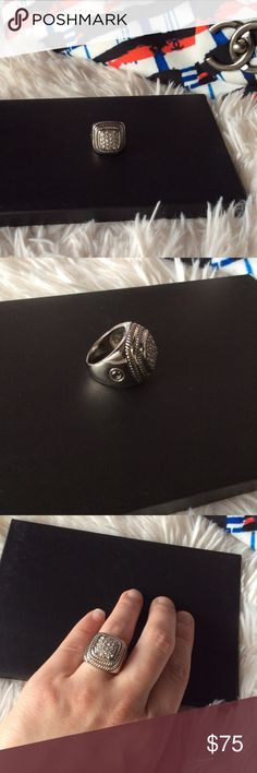 David Yurman Style Ring Brand new without tags never worn pictures don't do this ring justice looks just like David Yurman size 6 but can also fit a size 7 silver plated not alloy has two gold plated rings around the top. Listed In David Yurman For Exposure Only✨ David Yurman Jewelry Rings