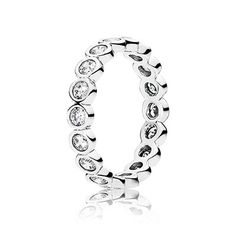 With its timeless and understated appearance, this sterling silver ring will add a subtle touch of glamour to your everyday look. Stack it with other embellished pieces to enhance the glitzy look. #PANDORA #PANDORAring
