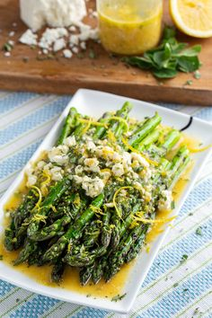 Lemon and Feta Grilled Asparagus Vegetarian Grilling, Healthy Grilling Recipes, Barbecue Recipes, Entree Recipes, Vegetable Recipes, Salad Recipes, Cooking Recipes, Grill Recipes, Barbecue Sauce