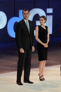 Queen Letizia of Spain Photos - (L-R) King Felipe VI of Spain and Queen Letizia of Spain attend the 'Fundacion Princesa de Girona Awards' at the Auditori of Girona on July 1, 2016 in Girona, Spain. - Spanish Royals Attend 'Princesa de Girona' Foundation Awards