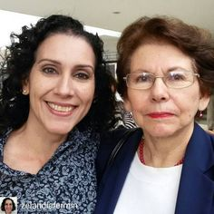 """Zelandia Fermín y Fracehuli """"Chicha"""" Dagger @Regrann from @zelandiafermin - En las jornadas """"Jose Witremundo Torrealba"""" de la Sociedad Venezolana de Parasitología. Este año en honor a mi muy querida y admirada Profesora Francehuli Dagger. #Regrann"""