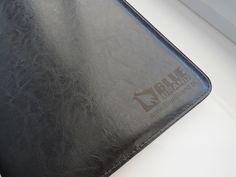 teczki ofertowe z grawerem - projekt i wykonanie www.BlueBrand.pl #BlueBrand #AgencjaReklamowa #reklama