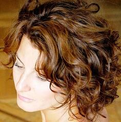 Short Hairstyles for Curly Hair: Blond Hair Lights