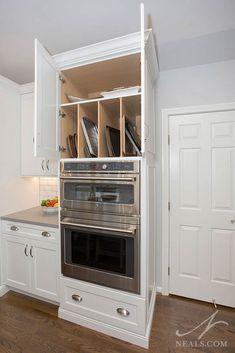 Kitchen Cabinet Interior, Kitchen Room Design, Modern Kitchen Cabinets, Kitchen Redo, Modern Kitchen Design, Kitchen Remodel, Kitchen Plinth, Kitchen Must Haves, Kitchen Oven