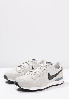 meet a3af7 8abea INTERNATIONALIST - Sneakers - light bone black cool grey - Zalando.se. Nike  SportswearBasketsNike ...