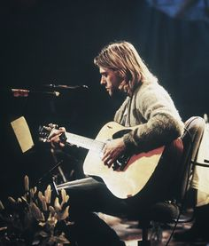 Kurt Cobain of Nirvana Dave Grohl, Aberdeen, Club 27, Seattle, Grunge, Donald Cobain, Mtv Unplugged, Kurt Cobain Unplugged, Nirvana Kurt Cobain