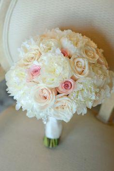 Pretty Coral Gables Wedding From Lara Rios Photography: http://www.modwedding.com/2014/10/13/pretty-coral-gables-wedding-lara-rios-photography/ #wedding #weddings #bridal_bouquet