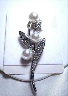 womens-pearl-crystal-flower-3-inch-pin-brooch-silver-plated
