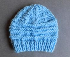 Easy knit hat patterns are perfect for baby. Keep your little angel's head warm with these free knitting patterns. Knitted baby hats are a quick project and they're extra cute, so make one today! Baby Hat Knitting Patterns Free, Baby Hat Patterns, Baby Hats Knitting, Crochet Baby Hats, Knit Or Crochet, Free Knitting, Free Crochet, Knitted Hats, Hat Patterns